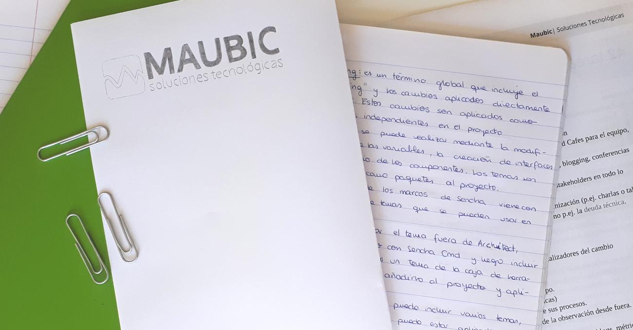 Cuaderno de notas a mano